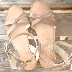 Coconuts by Matisse camel ankle cross sandals 6.5